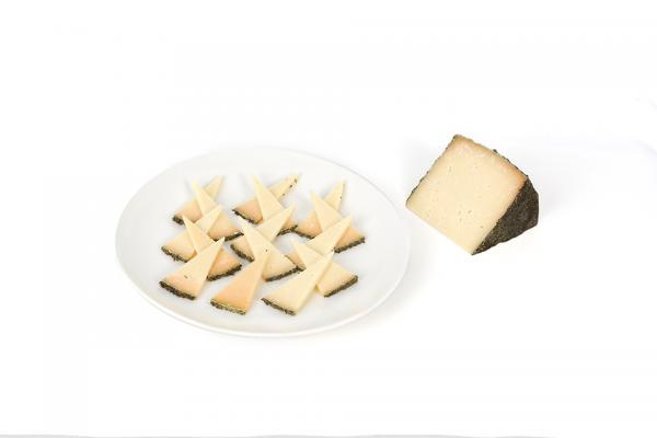 Cuña de queso curado al romero Perez Arquero D.O.P