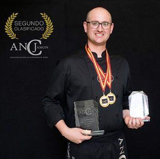 Antonio Escribano Capitán medallista campeonato nacional de cortadores de jamon